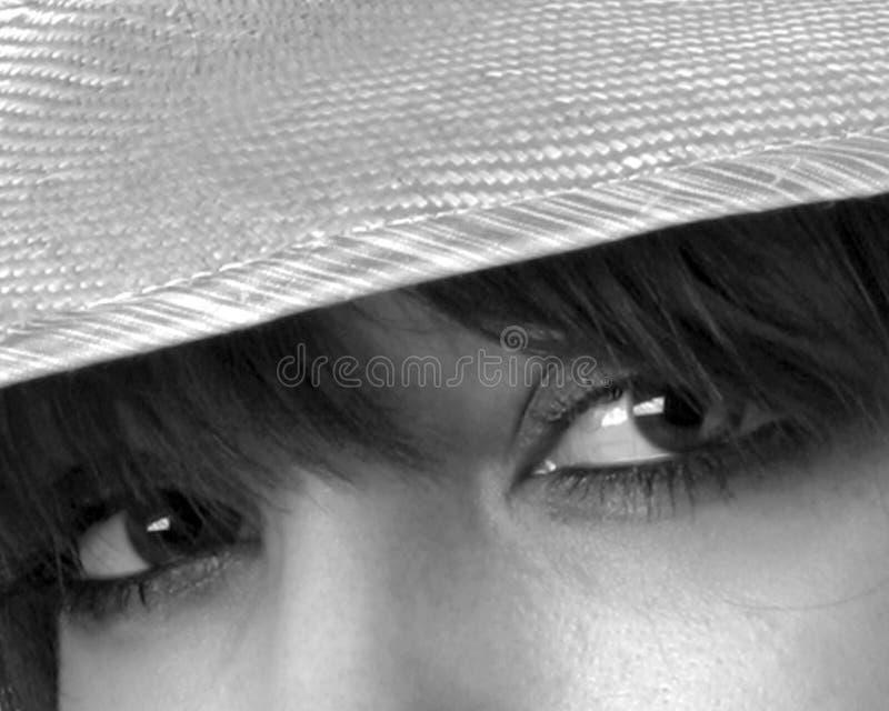 καπέλο που φορά τη γυναίκα στοκ εικόνες