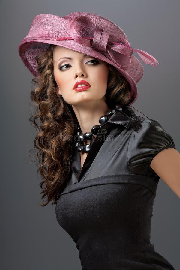 καπέλο φορεμάτων στοκ εικόνα με δικαίωμα ελεύθερης χρήσης