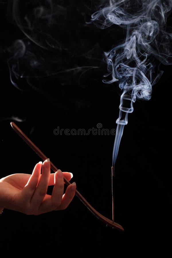 καπνίζοντας γυναίκα ραβ&delta στοκ φωτογραφία με δικαίωμα ελεύθερης χρήσης
