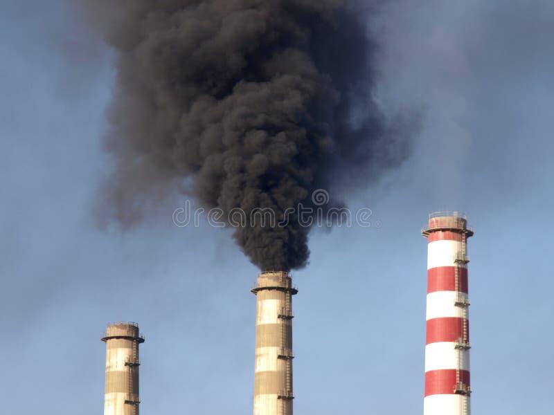 καπνίζοντας σταθμός ισχύ&omicron στοκ φωτογραφίες