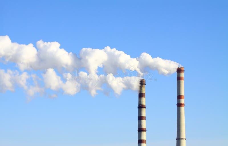 καπνίζοντας σταθμός ισχύ&omicron στοκ εικόνα με δικαίωμα ελεύθερης χρήσης