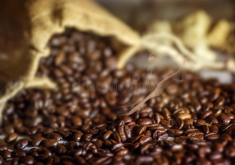 Download Καπνισμένος καφές στοκ εικόνες. εικόνα από καφές, τρύγος - 62717998