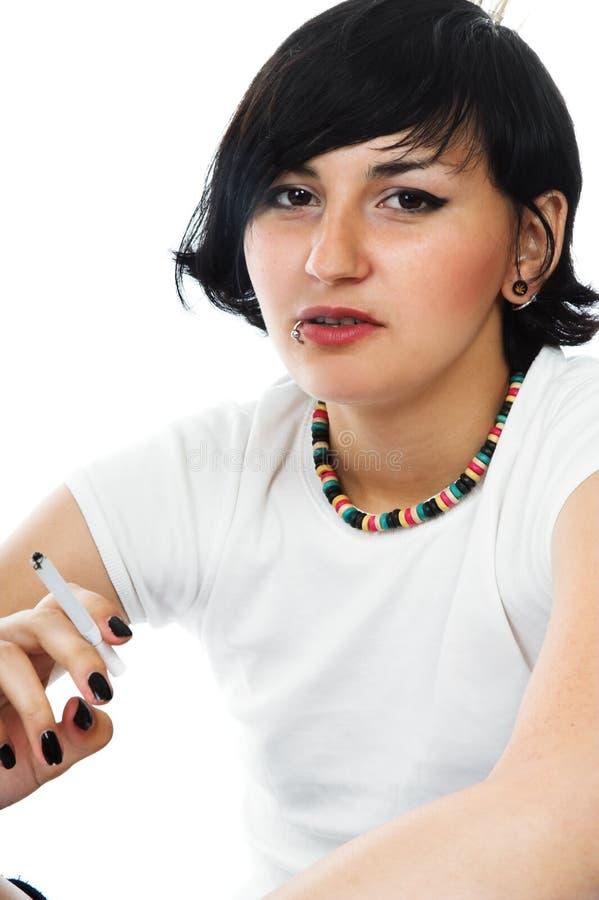 καπνοί κοριτσιών στοκ φωτογραφίες με δικαίωμα ελεύθερης χρήσης