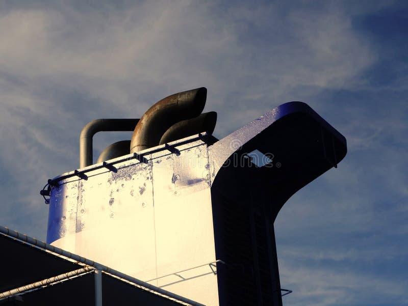 Καπνοδόχος εξάτμισης σκαφών στοκ φωτογραφία