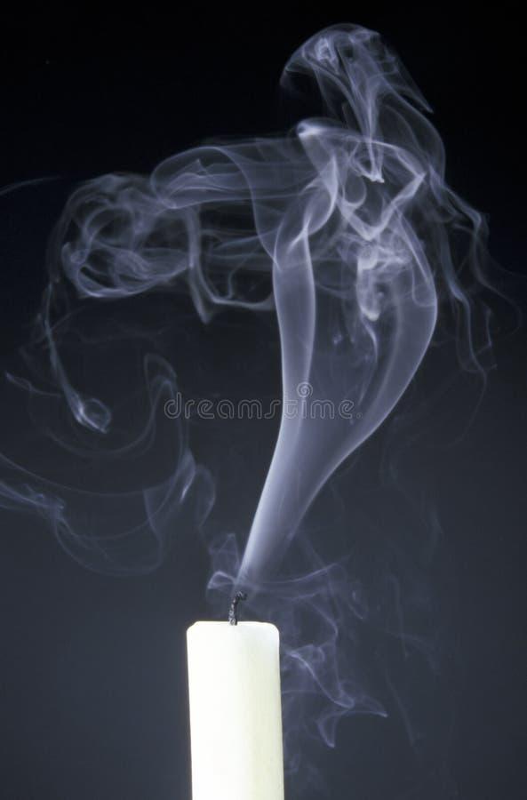 καπνός κεριών στοκ φωτογραφία με δικαίωμα ελεύθερης χρήσης