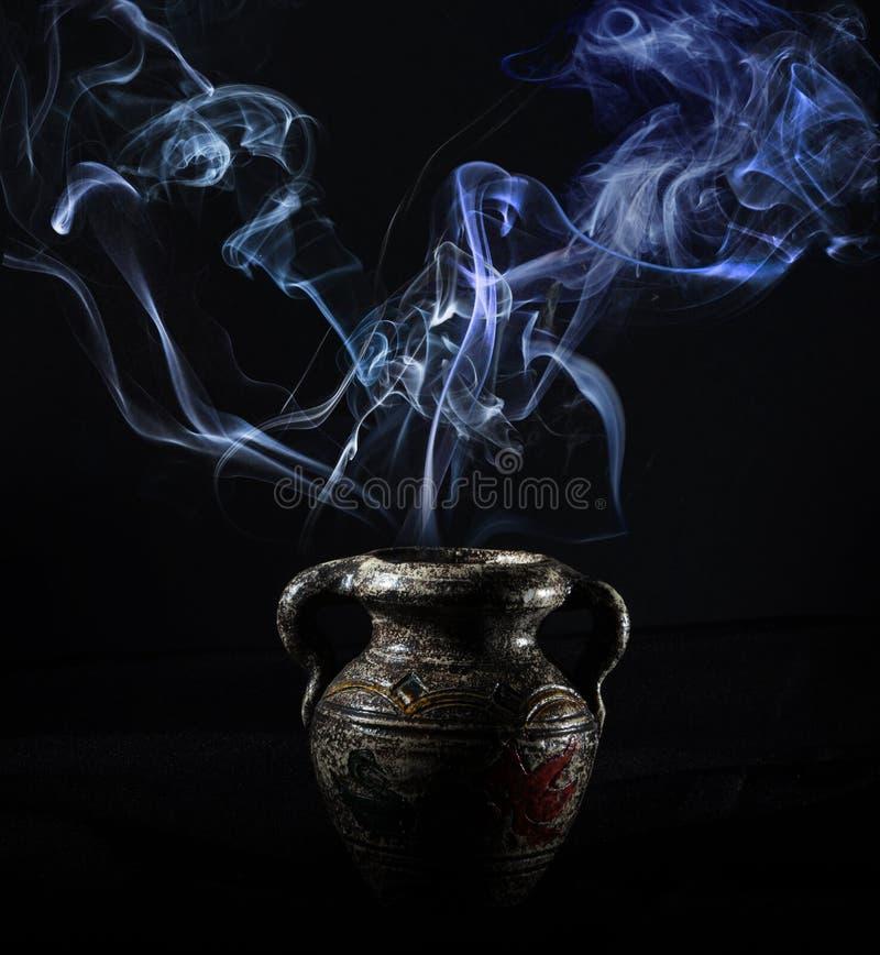 Καπνός στο σκοτάδι