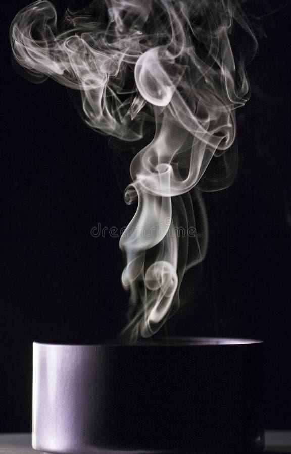 Download Καπνός στοκ εικόνες. εικόνα από μαύρα, από, wisp, ακριβώς - 62704088