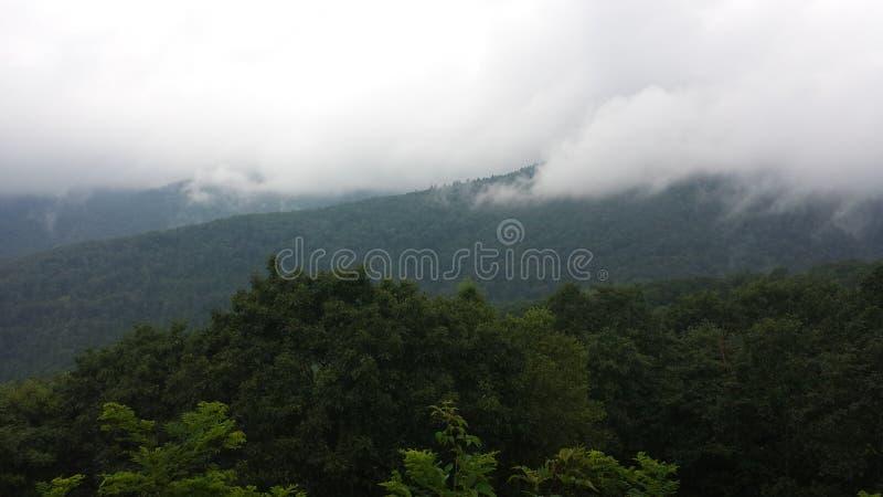Καπνώές βουνό στοκ εικόνες με δικαίωμα ελεύθερης χρήσης