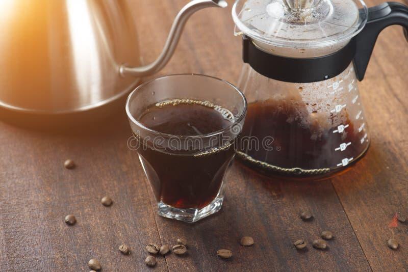 Καράφα καφέ και στάλαγμα καφέ στοκ φωτογραφίες με δικαίωμα ελεύθερης χρήσης