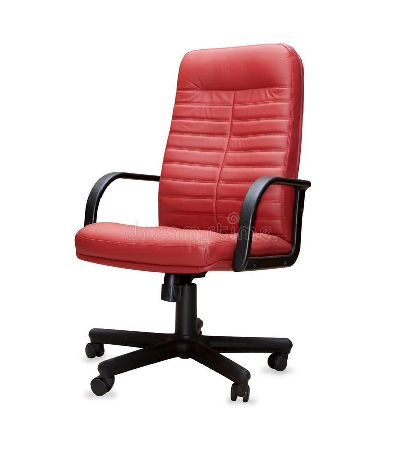 Καρέκλα γραφείων από το κόκκινο δέρμα. Απομονωμένος στοκ εικόνες με δικαίωμα ελεύθερης χρήσης