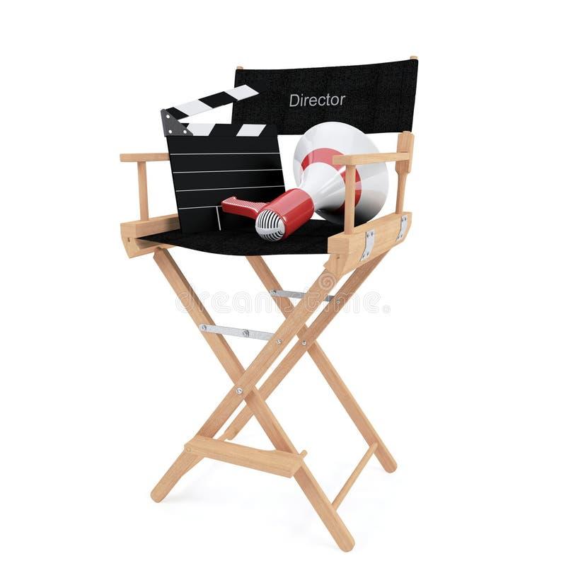 Καρέκλα διευθυντή ` s με clapper τον πίνακα και megaphone που απομονώνεται στο άσπρο υπόβαθρο στοκ φωτογραφία με δικαίωμα ελεύθερης χρήσης
