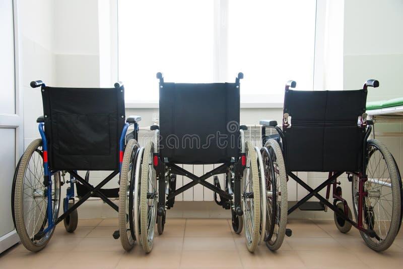Καρέκλα ροδών στο νοσοκομείο στοκ φωτογραφία με δικαίωμα ελεύθερης χρήσης