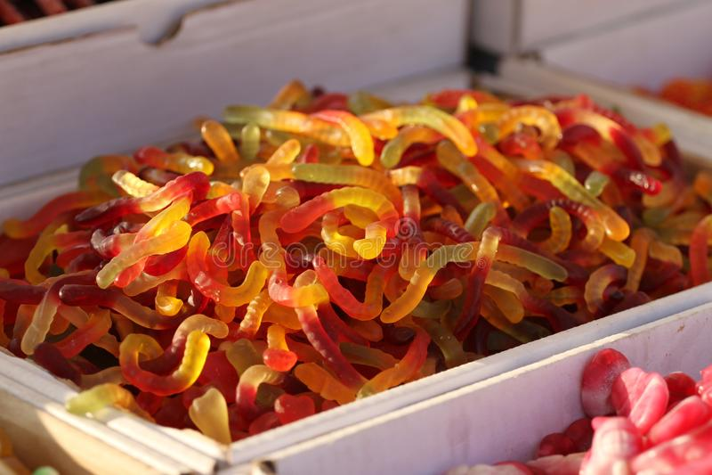 καραμέλες gummy ζελατίνα καραμελών Gummy αρκούδες ή σκουλήκια Μίγμα των gummy καραμελών Υπόβαθρο καραμελών ζελατίνας Σύσταση γλυκ στοκ εικόνες