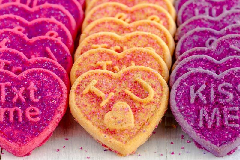 Καραμέλα και μπισκότα καρδιών ημέρας βαλεντίνων στοκ φωτογραφίες με δικαίωμα ελεύθερης χρήσης