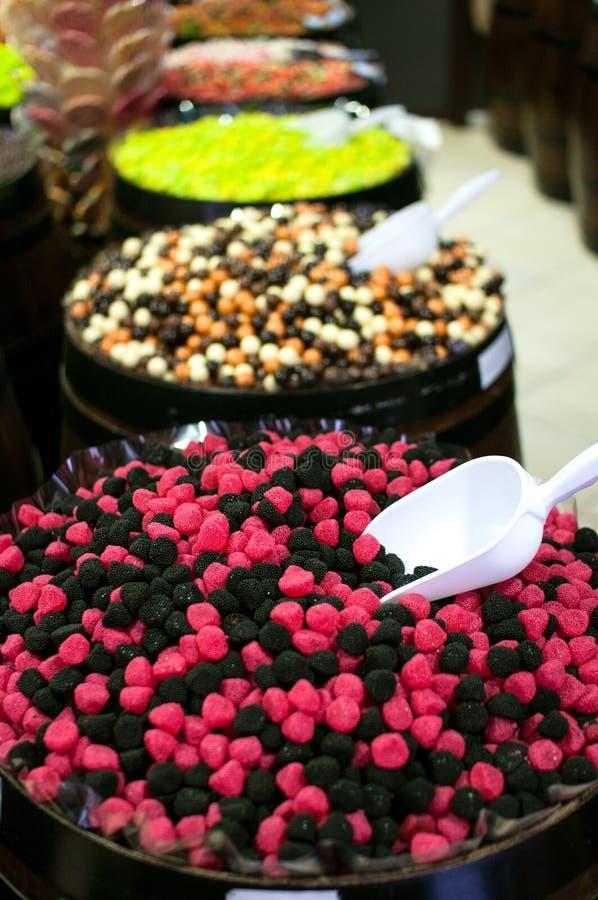 Καραμέλες και jellys στα βαρέλια στοκ εικόνα