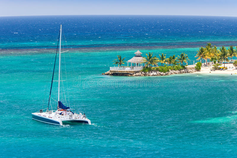 καραϊβικά πανιά καταμαράν στοκ φωτογραφία με δικαίωμα ελεύθερης χρήσης