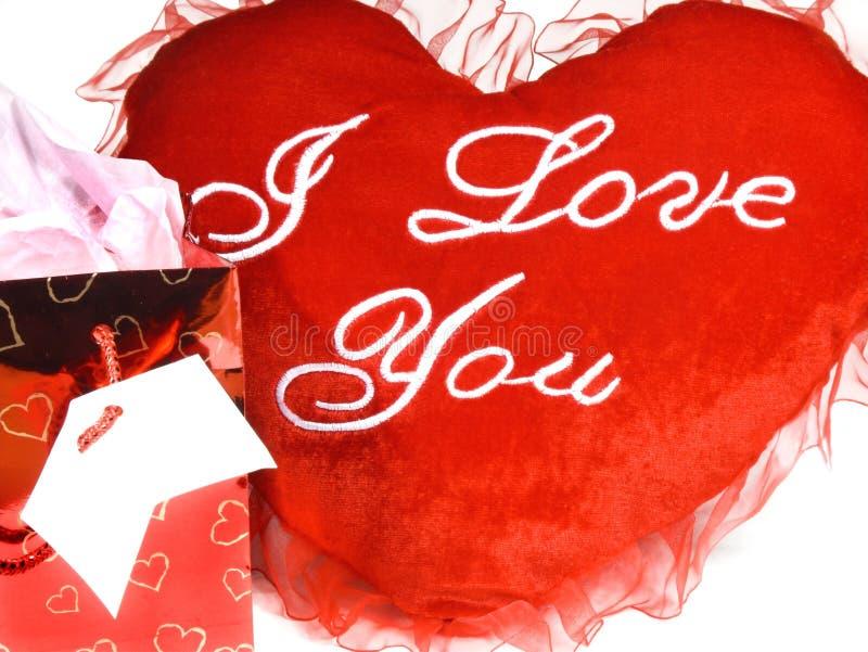 καρδιά δώρων τσαντών στοκ φωτογραφία με δικαίωμα ελεύθερης χρήσης