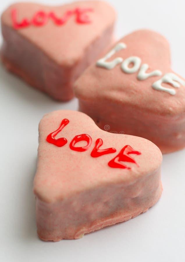 καρδιά κέικ που διαμορφών&ep στοκ εικόνες