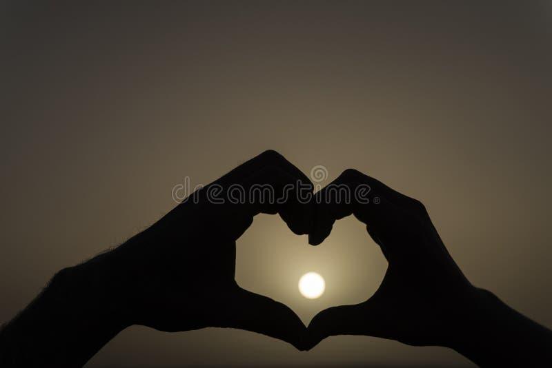 Καρδιά και ήλιος στοκ φωτογραφίες