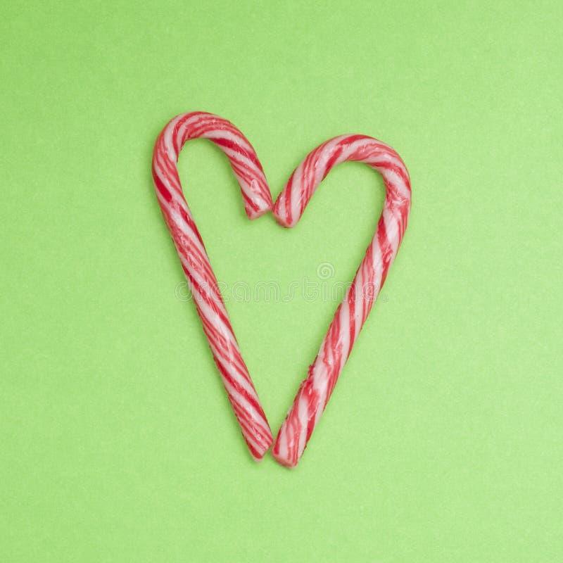 Download καρδιά καλάμων καραμελών στοκ εικόνα. εικόνα από κόκκινος - 17059335