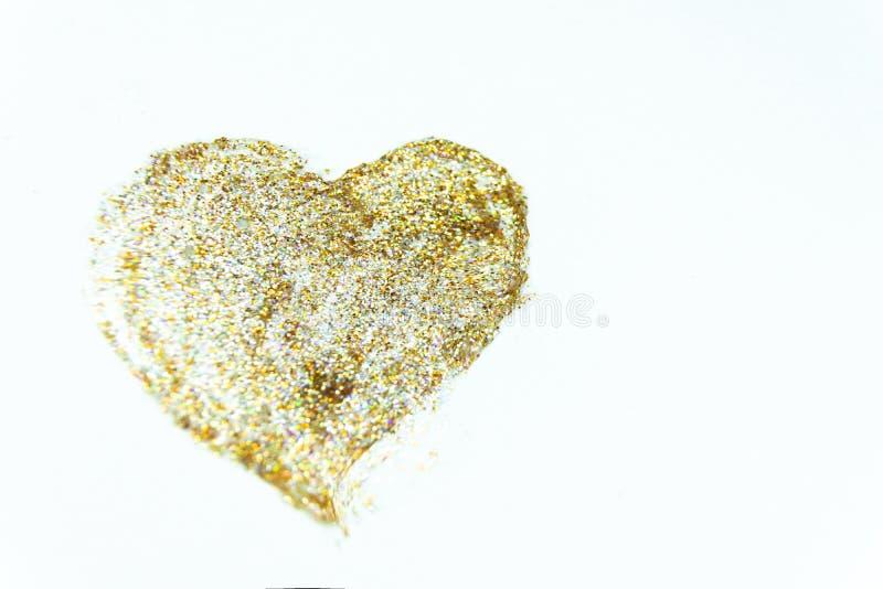 καρδιά με τα χρυσά τσέκια για την ημέρα του βαλεντίνου στοκ φωτογραφίες