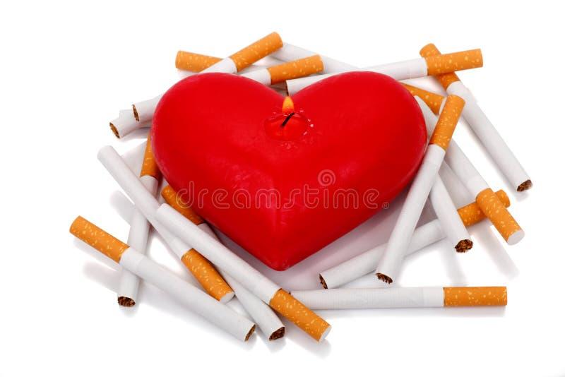 καρδιά τσιγάρων στοκ εικόνες