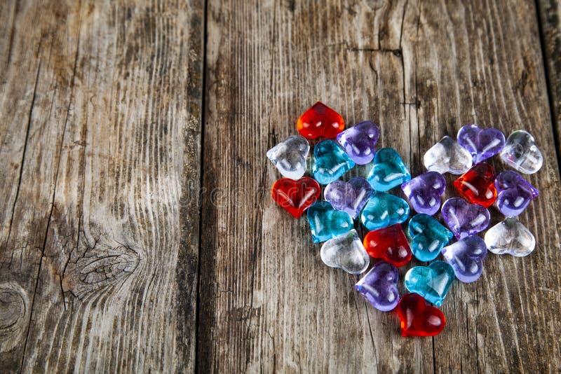Καρδιά των πολύχρωμων καρδιών γυαλιού στοκ φωτογραφίες με δικαίωμα ελεύθερης χρήσης