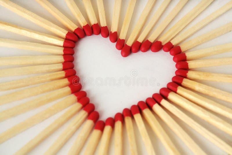 Καρδιά φιαγμένη από αντιστοιχίες - έννοια αγάπης στοκ φωτογραφίες με δικαίωμα ελεύθερης χρήσης