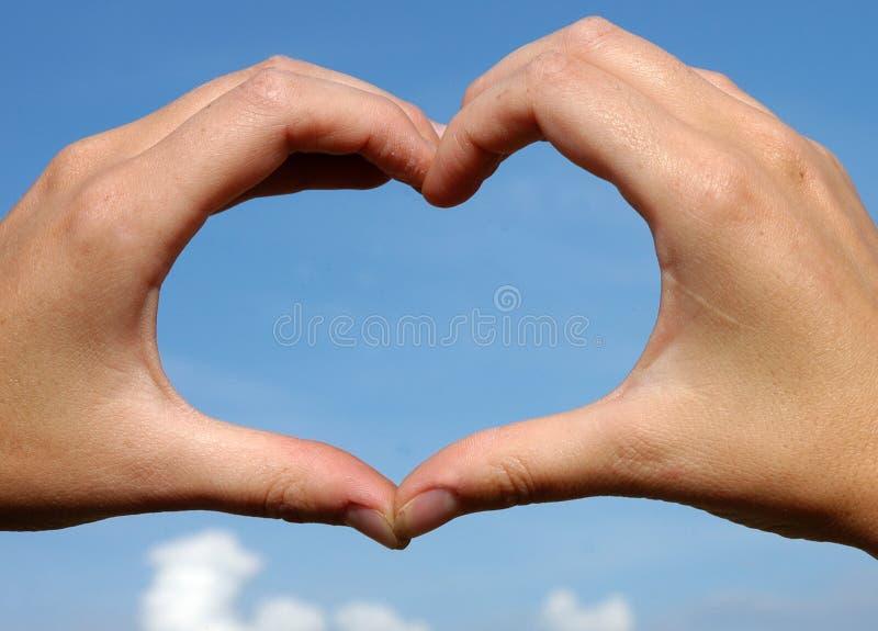 καρδιά χεριών όπως στοκ φωτογραφίες