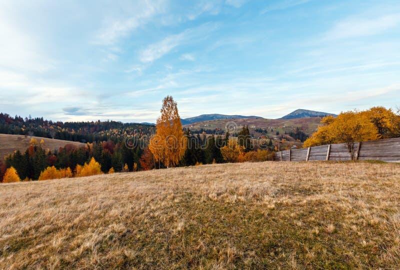 Καρπάθιο βουνό φθινοπώρου βραδιού, Ουκρανία στοκ φωτογραφίες