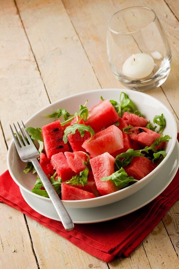 καρπούζι σαλάτας arugula στοκ φωτογραφίες