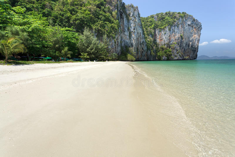 καρστικός τροπικός νησιών στοκ φωτογραφία με δικαίωμα ελεύθερης χρήσης