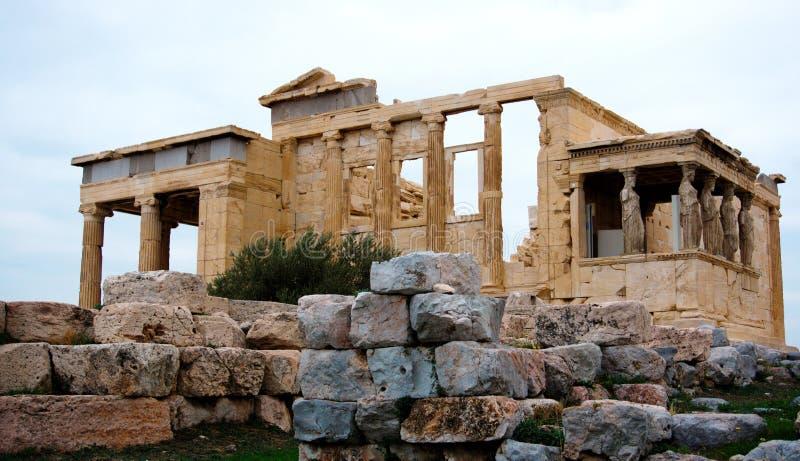 Καρυάτιδες στο Erechtheion ελληνικός ναός Ακρόπολη Αθήνα στοκ φωτογραφίες