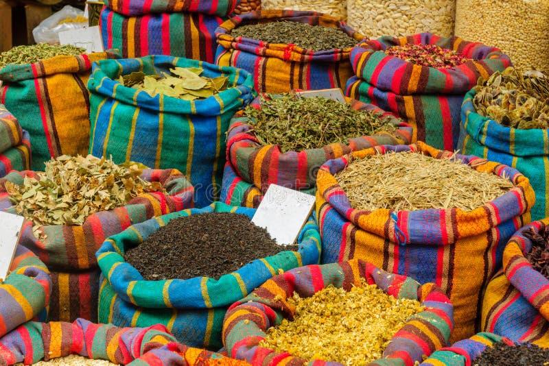 Καρυκεύματα στην πώληση στην αγορά, στο στρέμμα Akko στοκ φωτογραφία