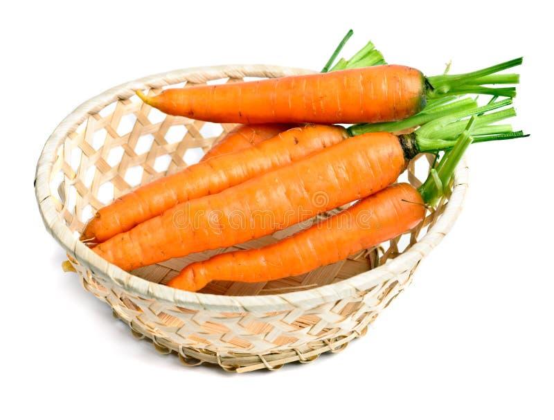 Καρότο στο μικρό καλάθι στοκ εικόνες με δικαίωμα ελεύθερης χρήσης