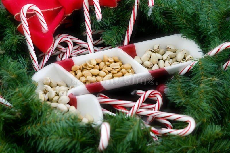 καρύδια καλάμων καραμελών στοκ φωτογραφία με δικαίωμα ελεύθερης χρήσης