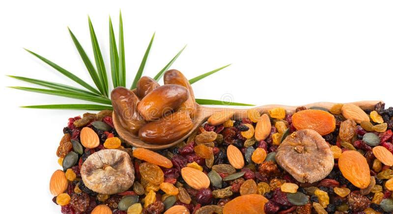 Καρύδια μιγμάτων, ξηροί φρούτα και σπόροι κολοκύθας στοκ φωτογραφία με δικαίωμα ελεύθερης χρήσης