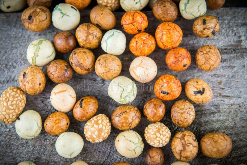 Καρύδια σφαιρών πρόχειρων φαγητών στοκ εικόνες