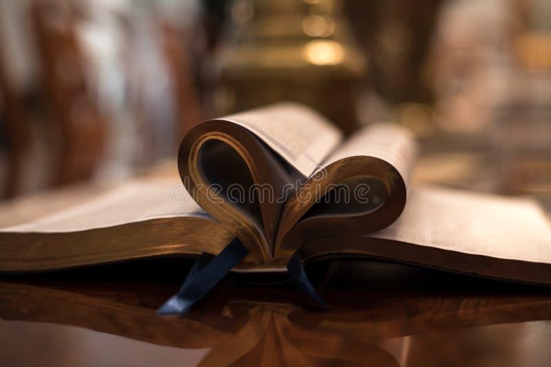 Καρδιά Βίβλων στοκ φωτογραφία με δικαίωμα ελεύθερης χρήσης