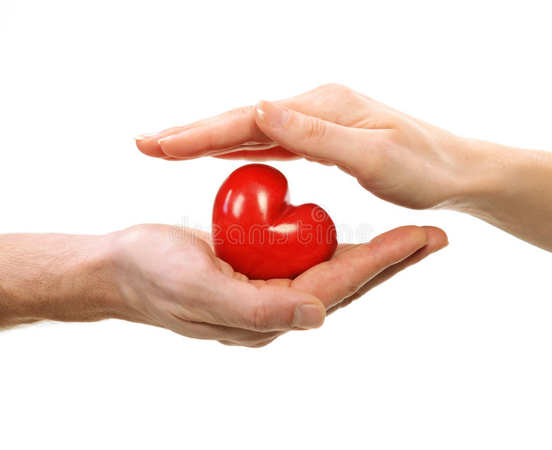 Καρδιά βαλεντίνων στα χέρια στοκ φωτογραφία με δικαίωμα ελεύθερης χρήσης