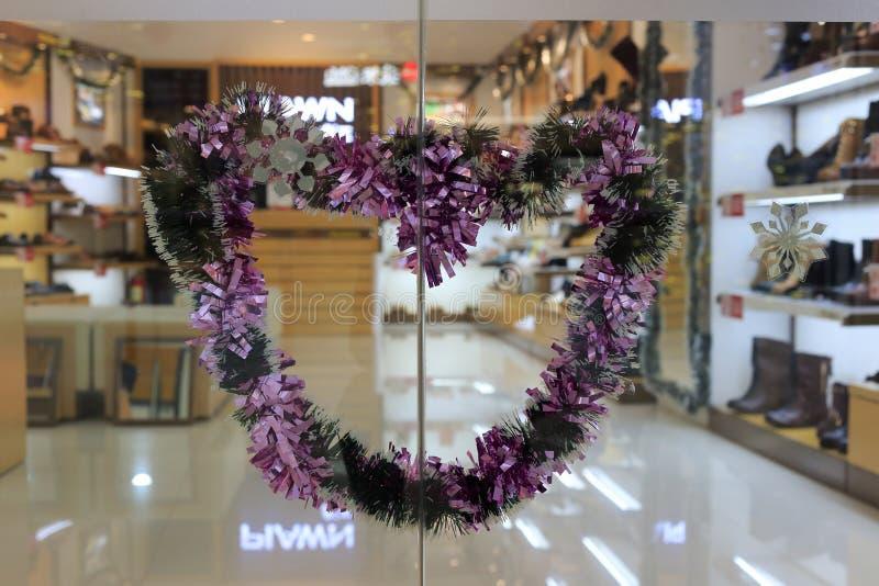 Καρδιά-διαμορφωμένη γιρλάντα στοκ φωτογραφία