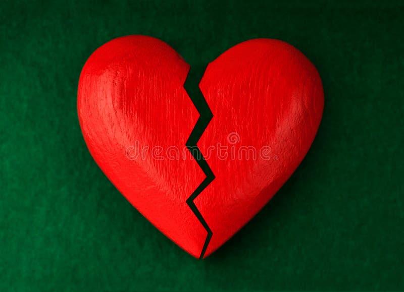 Καρδιά με τη ρωγμή στοκ φωτογραφίες με δικαίωμα ελεύθερης χρήσης