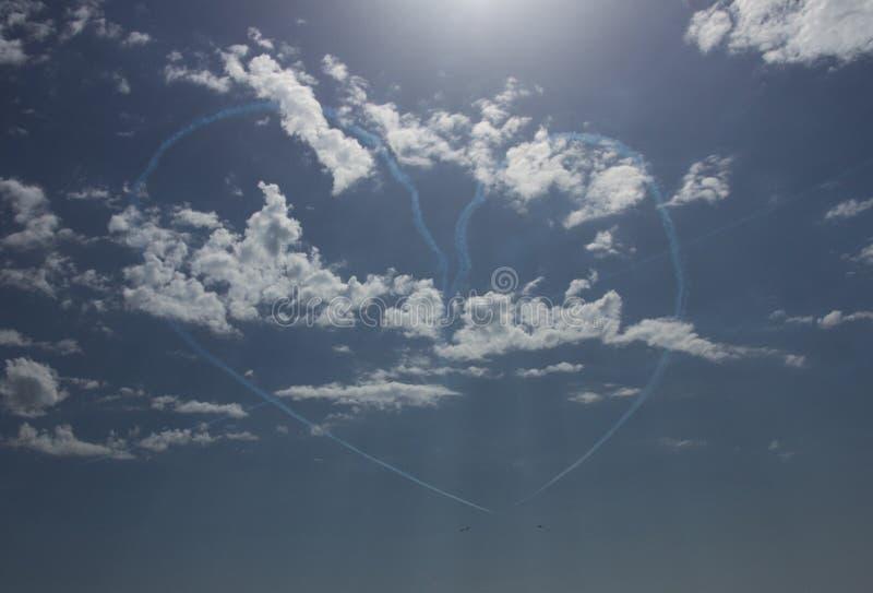 Καρδιά στον ουρανό στοκ φωτογραφίες με δικαίωμα ελεύθερης χρήσης