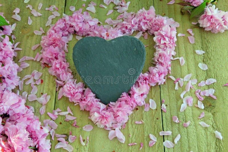 Καρδιές και άνθος στοκ εικόνες