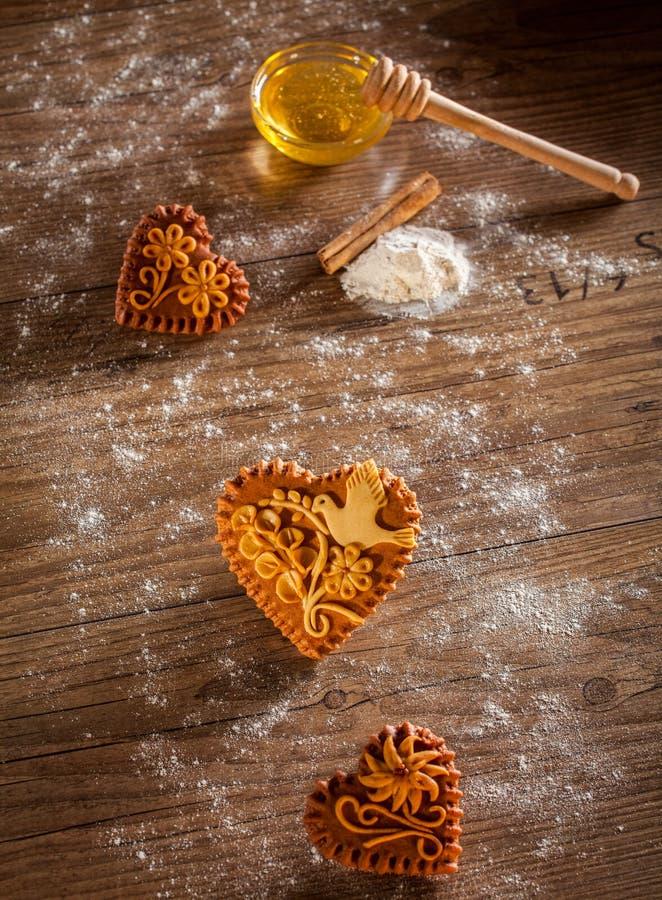 Καρδιές μελοψωμάτων στοκ φωτογραφίες με δικαίωμα ελεύθερης χρήσης