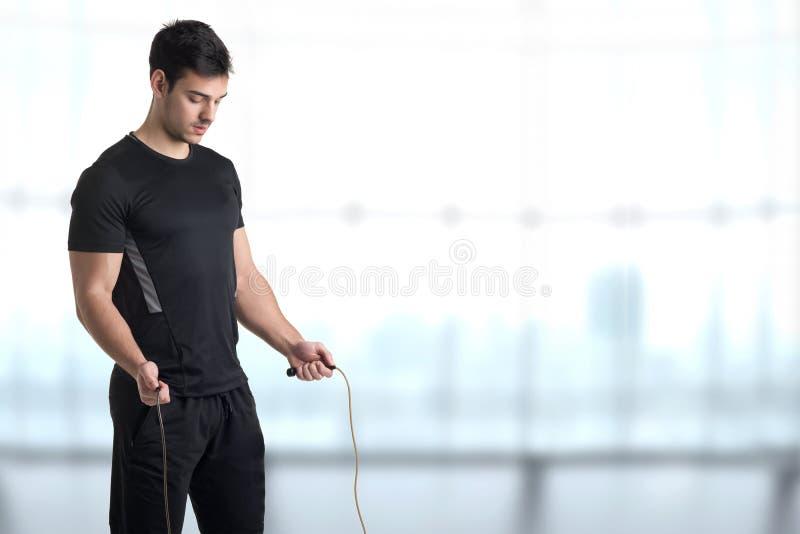 Κατάλληλο αρσενικό σχοινί άλματος στοκ εικόνα με δικαίωμα ελεύθερης χρήσης
