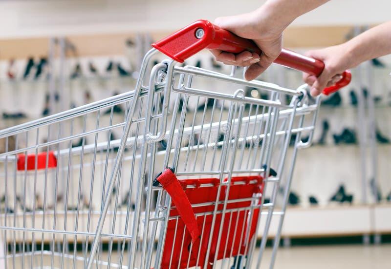 κατάστημα αγορών παπουτσ&i στοκ εικόνες