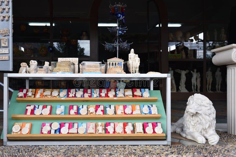 Κατάστημα αναμνηστικών σε Corinth, Ελλάδα στοκ φωτογραφία με δικαίωμα ελεύθερης χρήσης