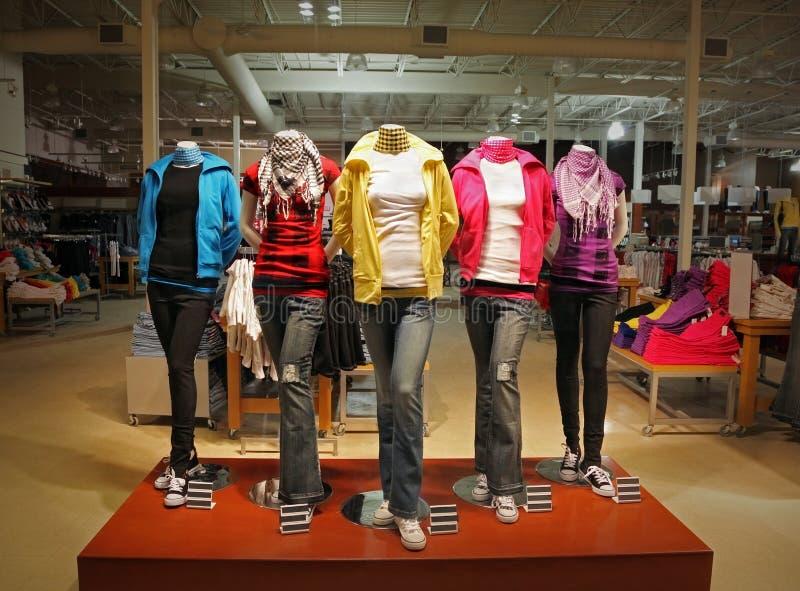 κατάστημα μόδας εφηβικό στοκ εικόνα με δικαίωμα ελεύθερης χρήσης