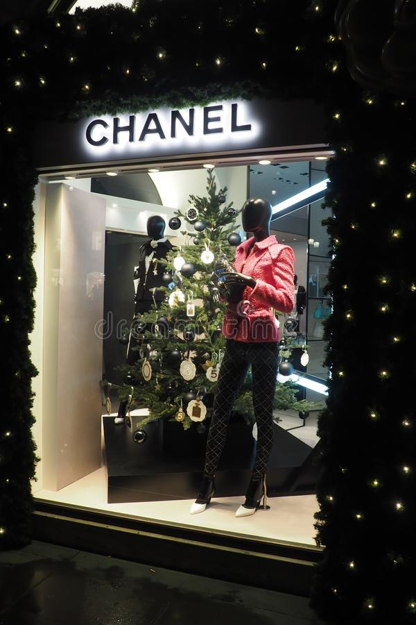 Κατάστημα μόδας Chanel στη Ρώμη, Ιταλία στοκ εικόνες